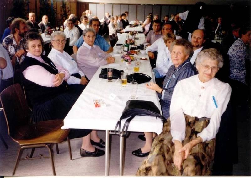 gäste im festsaal