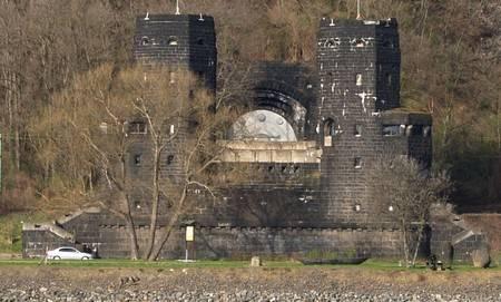 Autour de Koblenz ; fortifications, chateaux, monuments ... Bruecke-remagen