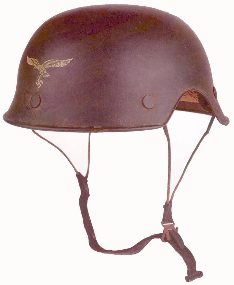 Deutscher Fliegerstahlhelm 1944