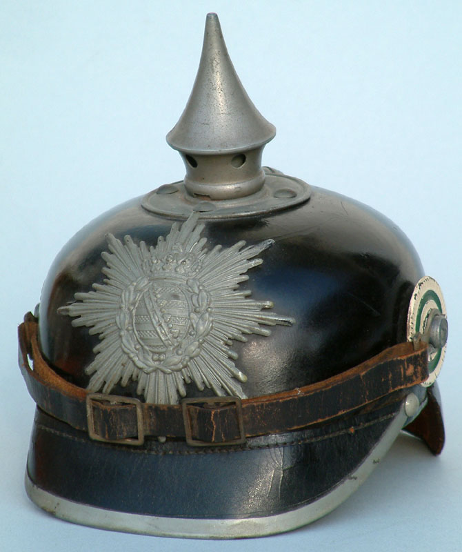 Pickelhaube Sachsen mit feldgrauen Beschlägen