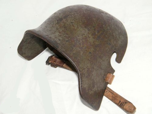 Stirnschild zum Stahlhelm M16