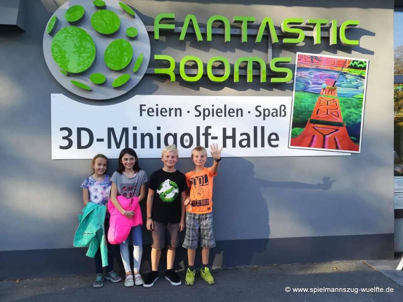 Unsere Nachwuchsmusiker haben sich eine Belohnung verdient und besuchten mit ihren Ausbidern die 3D-Minigolf-Halle.