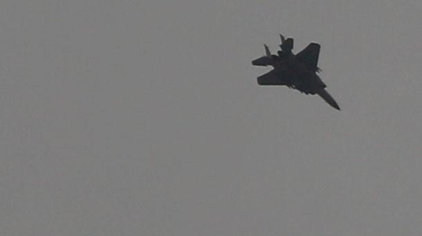 Syrien: Israel fliegt offenbar erneut Luftangriffe auf Golanhöhen. Ein israelischer Militärjet: Von den Streitkräften gab es keine Stellungnahme zu den mutmaßlichen Angriffen. (Quelle: imago images/Ashraf Amra)