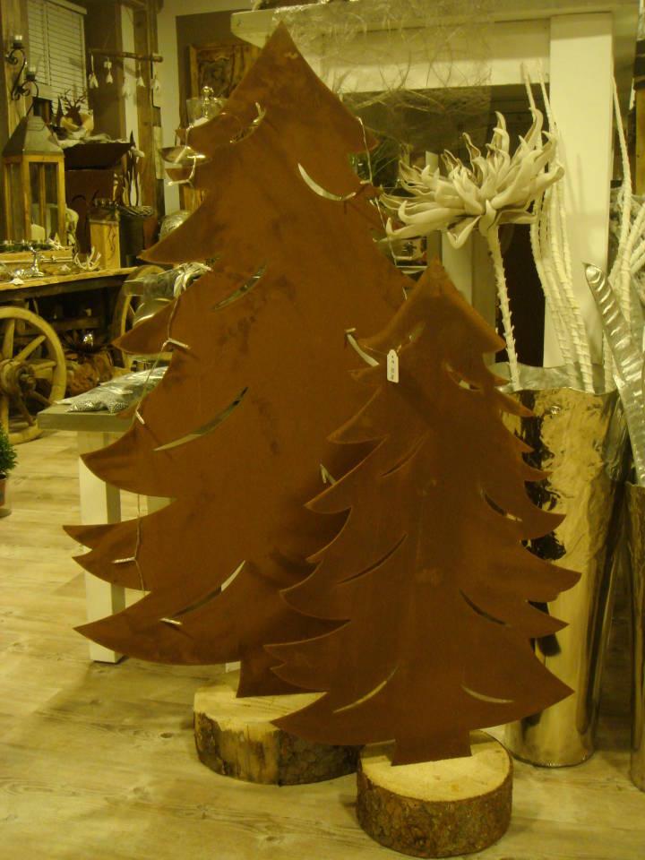 Rostiger Tannenbaum.Rostwerk A B