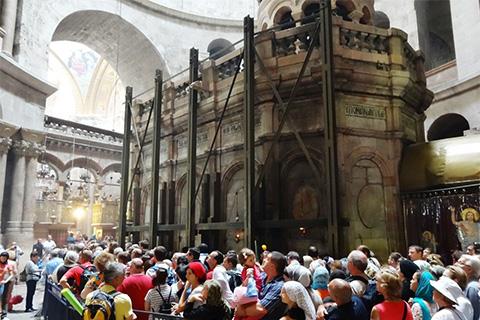 https://file2.hpage.com/012453/72/bilder/jerusalem-grabeskirche-cc-obrist-hanspeter-002.jpg