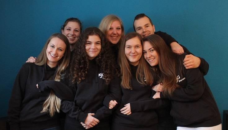 Das sind wir: Jacqueline Stier, Melanie Stier, Florian Sommer, Michelle Weik, Evelyn Matern, Alicia Walter, Doreen Filsinger