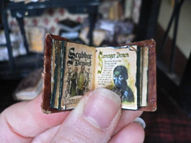 Miniatur Hexenbuch