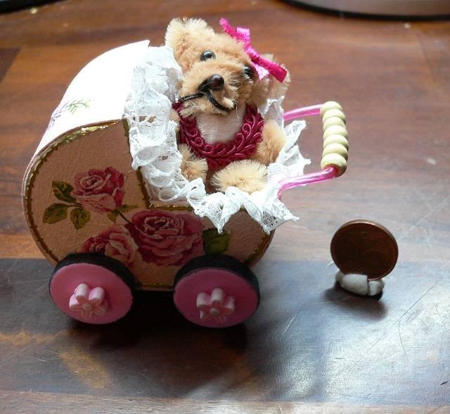 Kinderwagen für die Puppenstube
