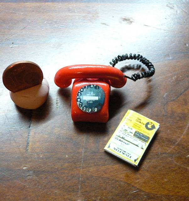 Altes Telefon 1:12