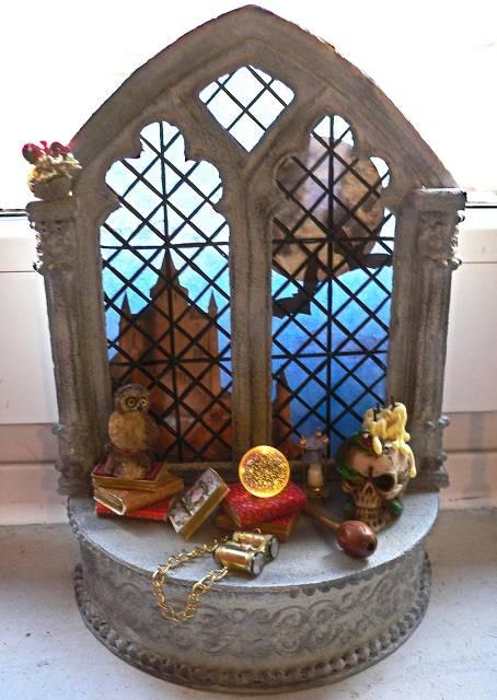 Gotisches Hexen-Fenster