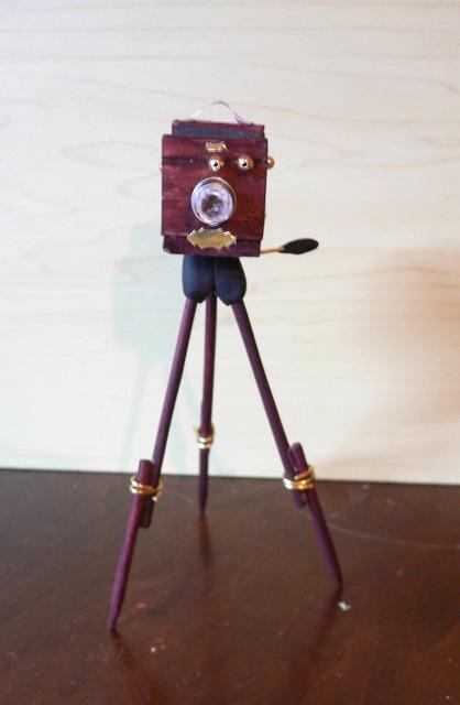 Antike Kamera für die Puppenstube