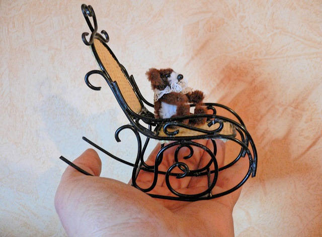 Schaukelstuhl für die Puppenstube