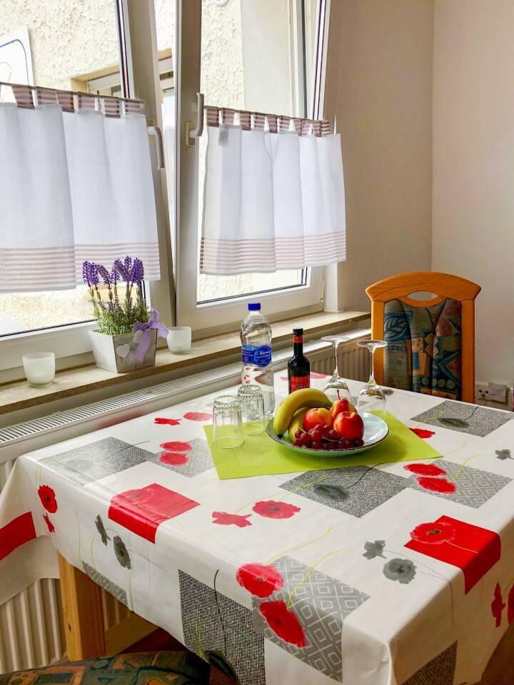 Kleine Erfrischung für Sie bei der Anreise, Obst, Wein, Essen, Früchte, Wasser