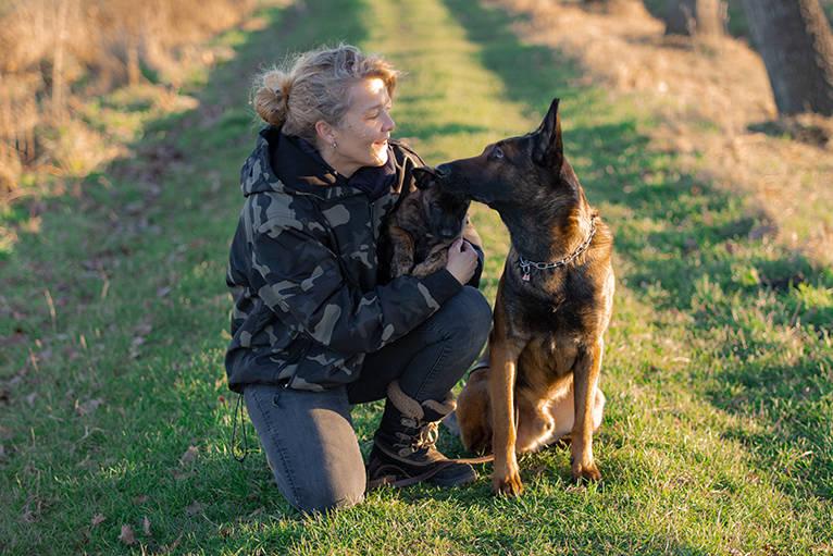 Mein Hund und ich, Navajo mein Malinois Rüde und Asgard mein X-Herder Welpe