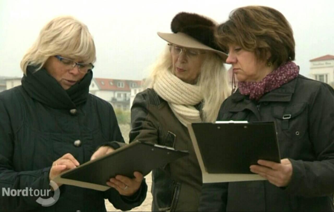 skizzieren am Strand warnemünde beim Pinsel-Führerschein mit Sigrid Strohschen