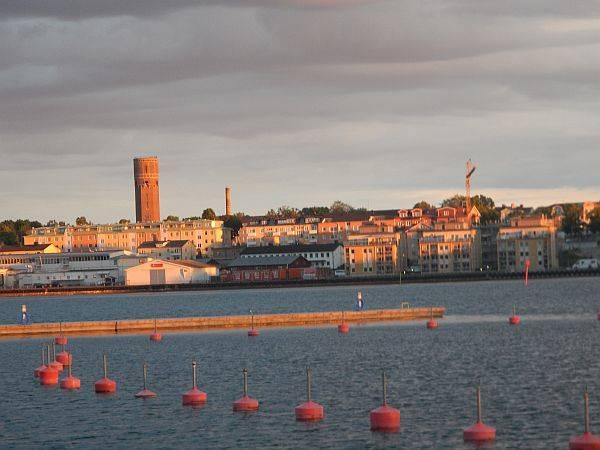 die abenliche Skiline von Västervik