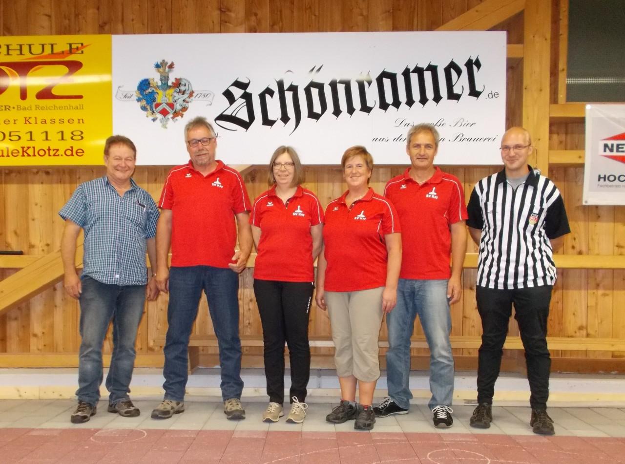 Mixed 2017 Sieger SV Kay mit Vorstand Ludwig Hogger und Schiedsrichter Christoph Hinterstoißer EC Eintracht Aufham