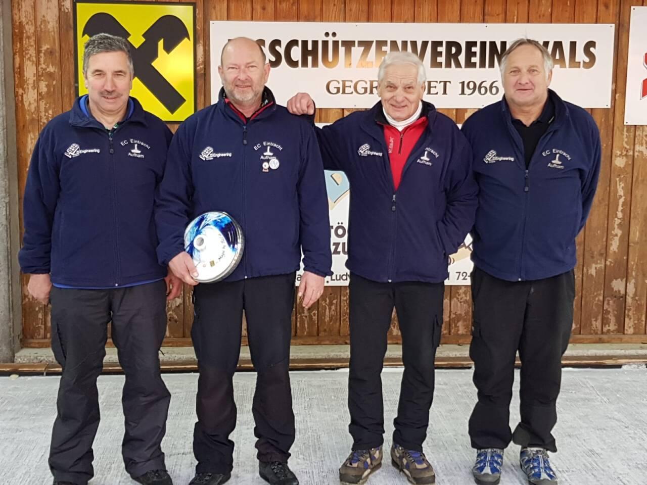 Das Aufstiegsteam in die Bezirksliga: v.l. Roland Moosleitner, Dieter Gerbeth, Richard Kammel und Harry Pirker