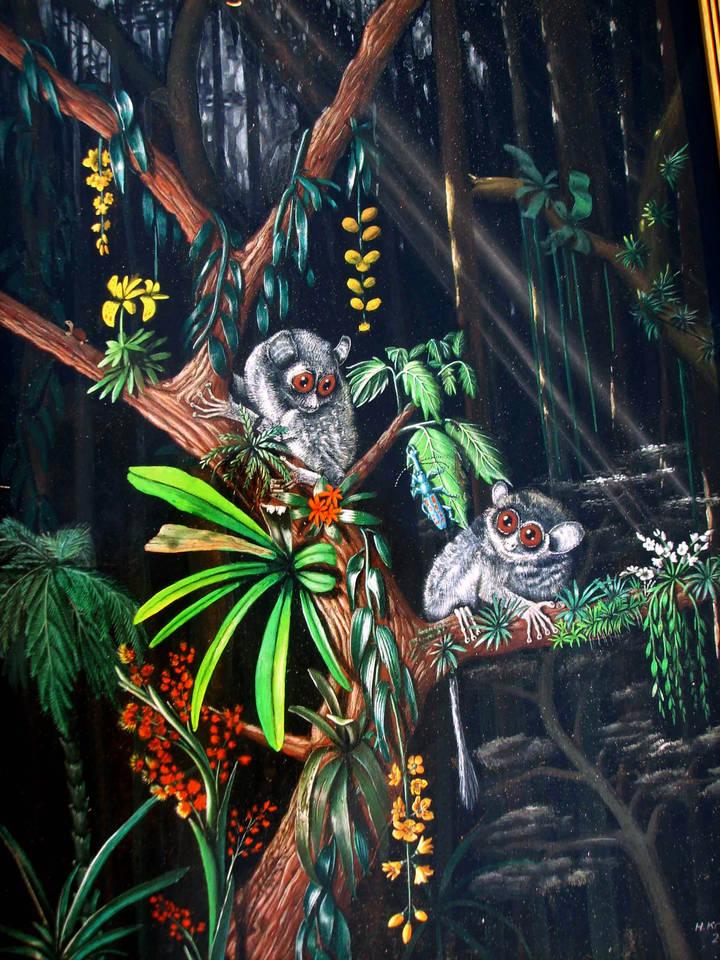 Koboltmakis mit Käfer  Mischtechnik auf Hartfaserplatte  60 x 90 cm