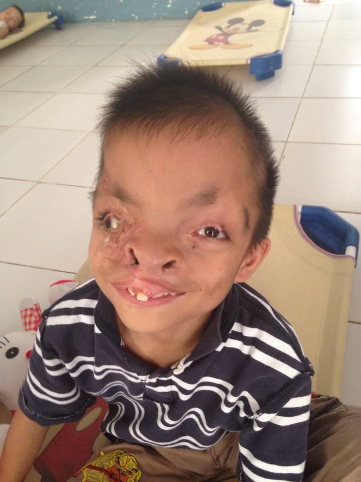 Hearts for poor children in vietnam e v