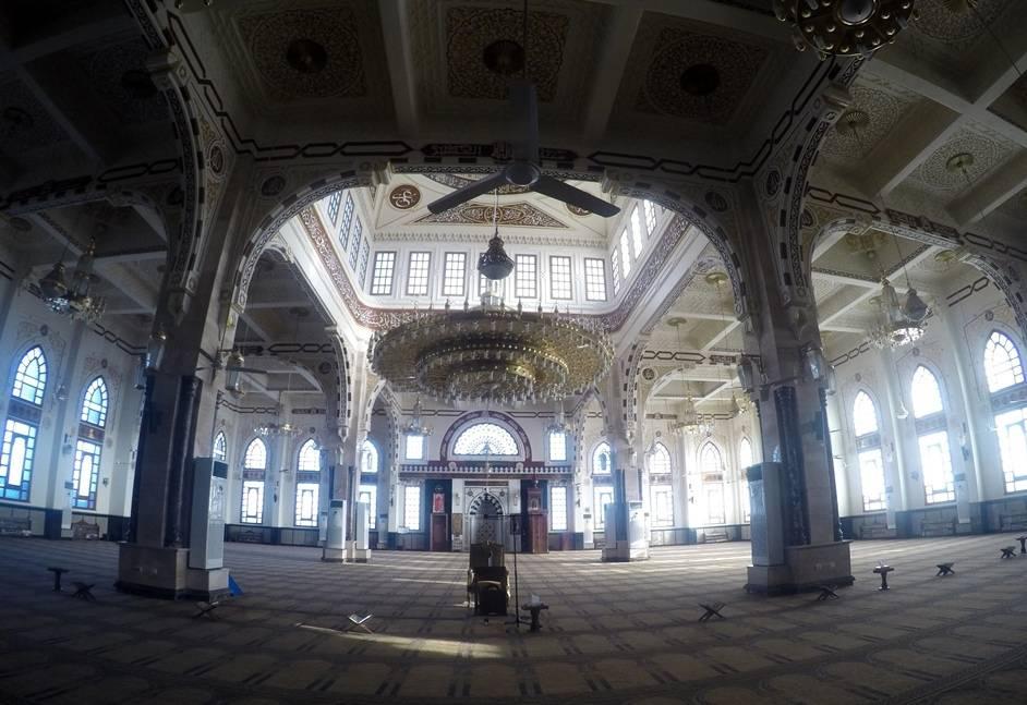El Mina Moschee von innen