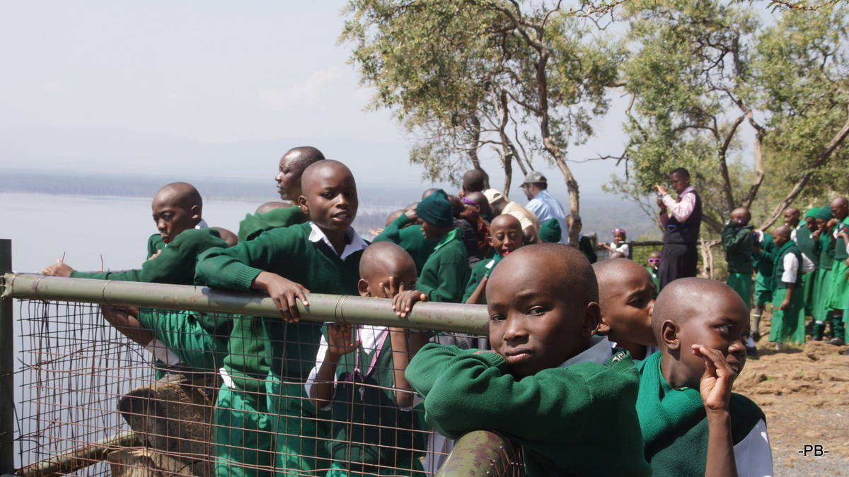 Schüler beim Ausflug an den Lake Nakuru