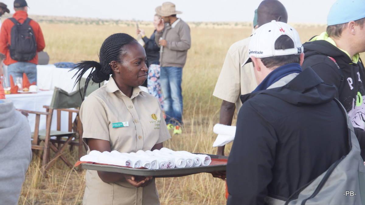 Sektempfang in der Masai Mara