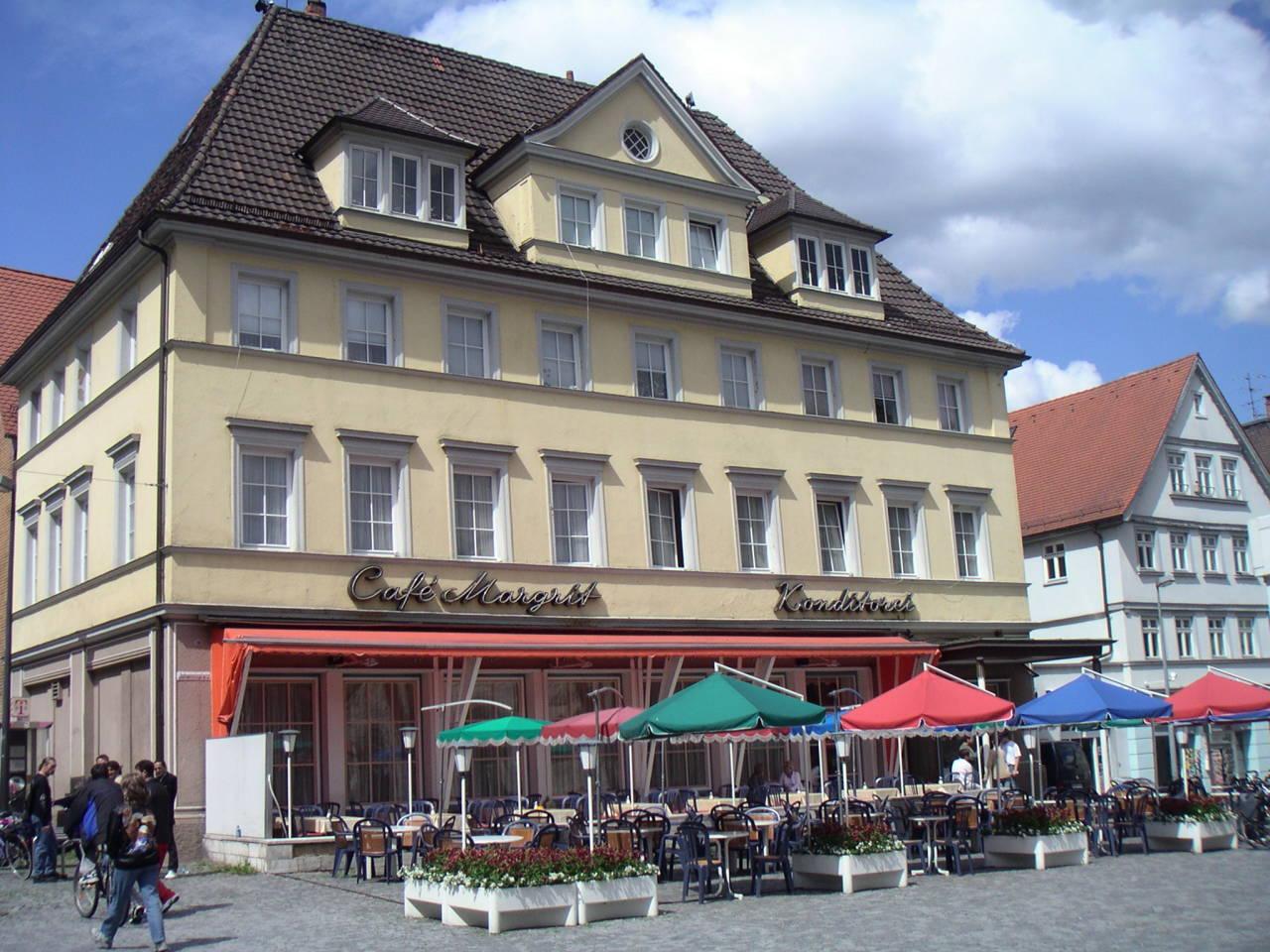 Cafe 2004 aussen