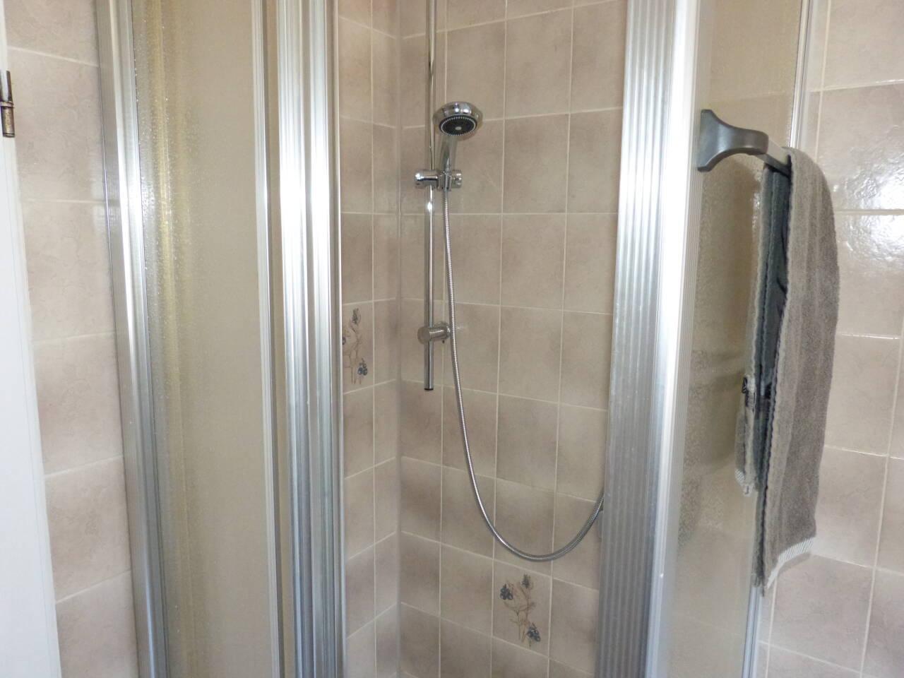Auch die Duscharmaturen wurden erneuert.