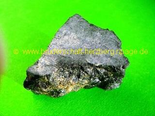 Ferro-Hastingsit - magnetisch - Foto der Bruderschaft Herzberg