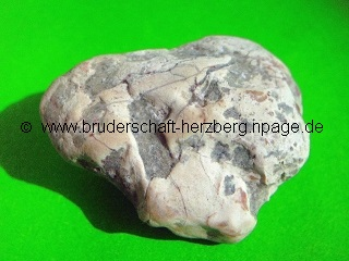 Malachit im Kalksstein - Foto der Bruderschaft Herzberg