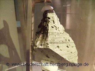 Mondgestein Apollo 17 - Foto der Bruderschaft Herzberg