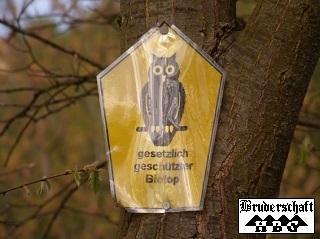 Schild - gesetzlich geschützter Biotop; Foto der Bruderschaft Herzberg